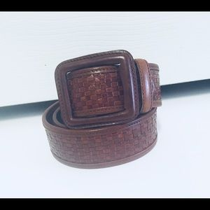 Chaps wide belt size L woven leather